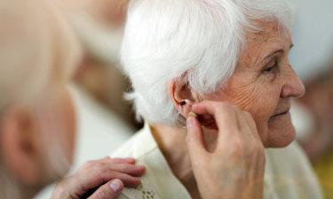 如何正确选择助听器 - 类型/购买/使用详解
